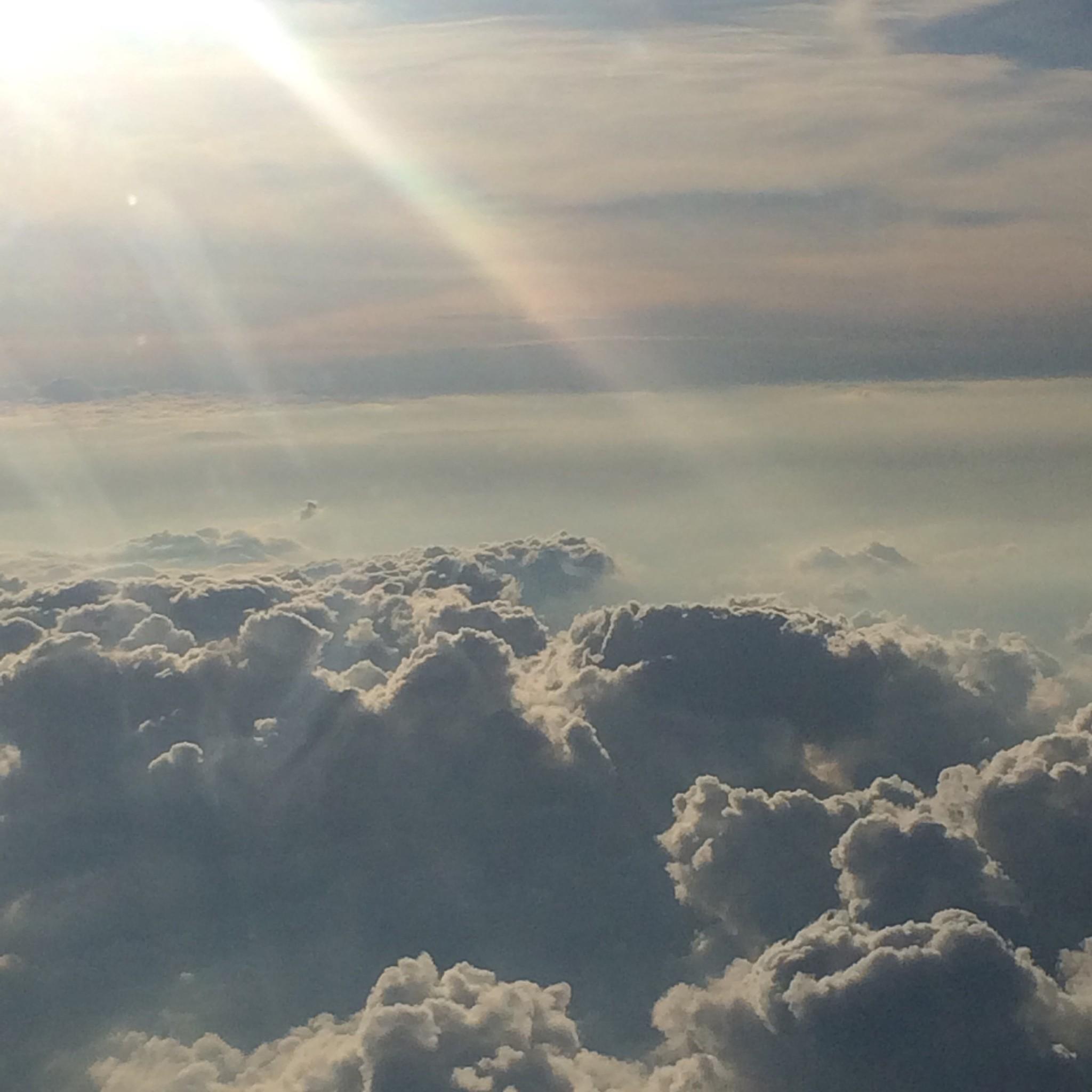 天国のような飛行機の窓からの眺め☆